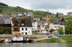 Bank of the Moselle river in Oberbillig (Germany). Left: the ferry to Wasserbillig (Grand Duchy of Luxembourg).