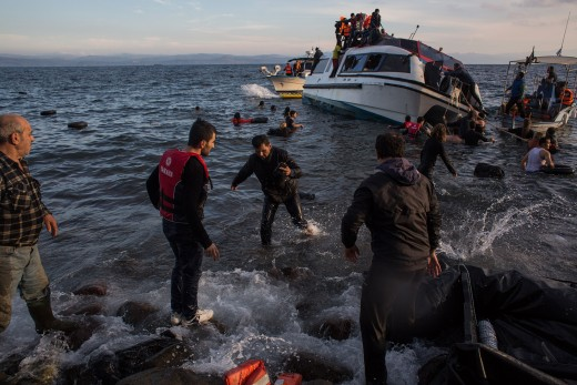 Syrian refugees arriving from Turkey