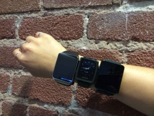 Adriana Lee's arm with Samsung Gear Live