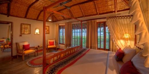 Orange County - Pool hut interior
