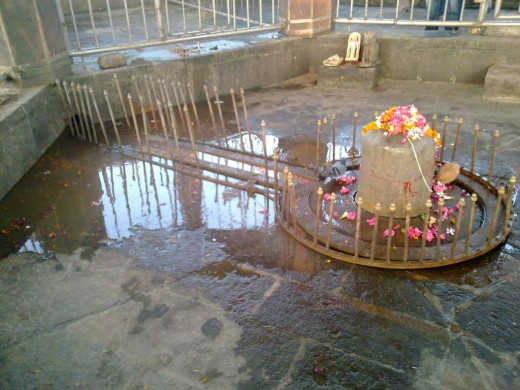 Shiva Lingam at Stambheshwar Mahadev Temple