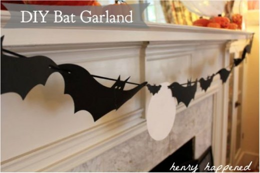 These DIY bat garland craft is the perfect Halloween decoration for your home