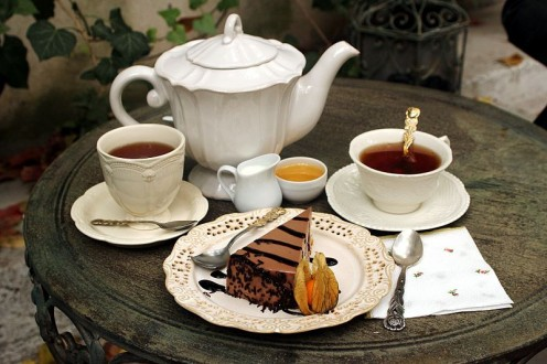 Tea!  I'll have the cake, thanks, but not the tea, whether with or without milk!  Could I have coffee instead please?