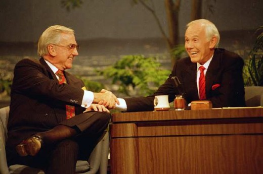 Johnny & Ed shake hands on the very last episode after 30 years of the completely unforgettable The Tonight Show Starring Johnny Carson