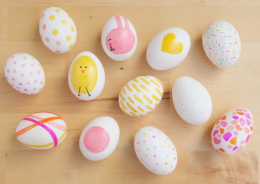 Get the sharpie markers out to make these easy Easter Egg designs