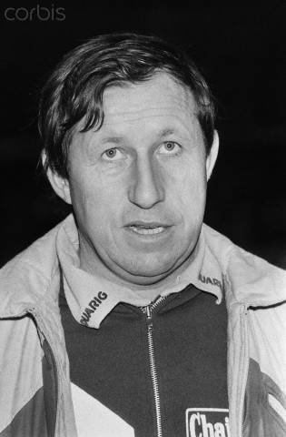 This is Guy Roux, French soccer manager and a below average guy in the area of winning gorgeous girls' hearts.