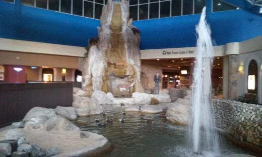 Isle Of Capri Lobby Pool and Fountain