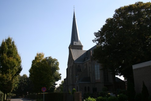 Heilig-Kreuz-Kirche in Weeze-Wemb