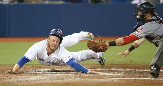 Epic heads up hustle by Josh Donaldson.