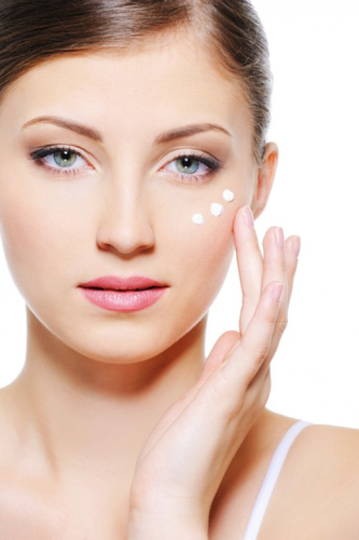Apply eye creams tapping around the eye sockets.