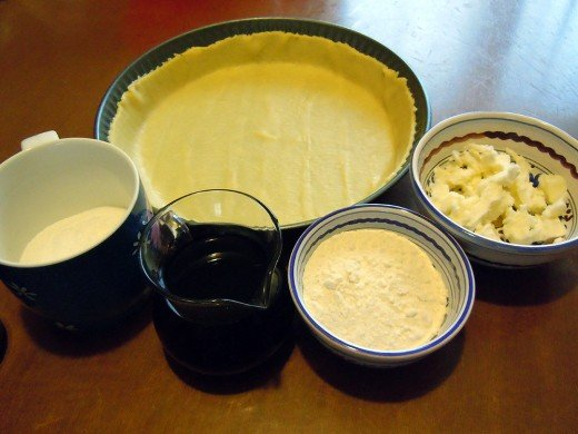 Ingredients for the wine cake are: pastry, sugar, butter, flour, wine.
