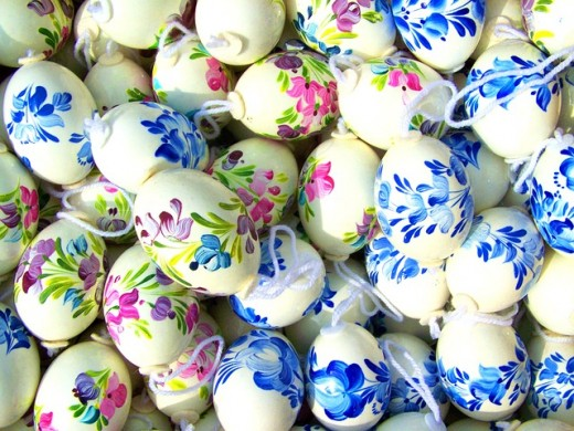 Hand Painted Flower Design on Eggs