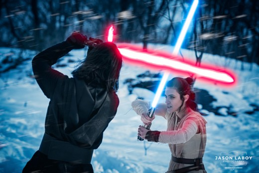 Great shot of cosplayers in Rey and Kylo Ren costumes