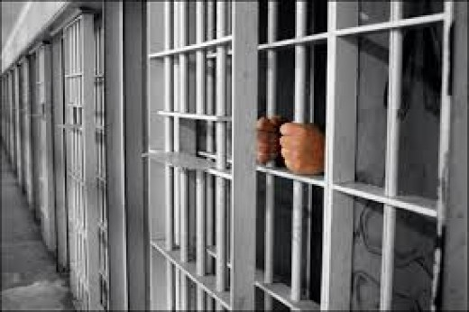 Maryland would turn some nonviolent drug offenders free from prison to save money and reduce prison populations.