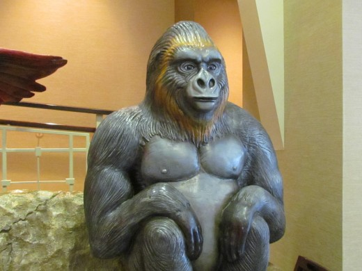 In the foyer of Fridays restaurant is this statue of a gorilla which helps direct young and old to the Rainforest Café.