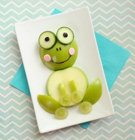 """Frog Also with Green apples, marshmallows, mom can """"turn coral"""" the incredibly adorable frogs for baby"""