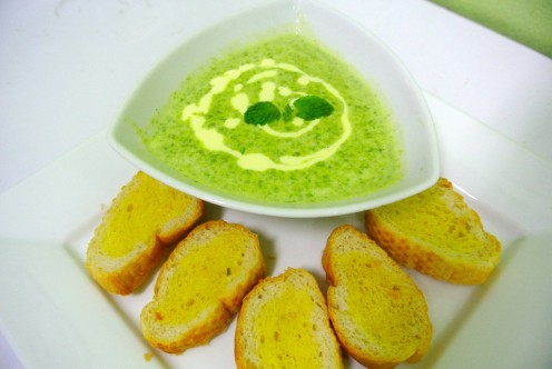 Spinach soup and garlic toast.