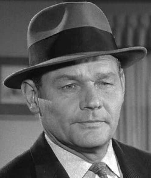 Percy Helton is so talented, that he can easily play an evil thug or a law-abiding detective for some big city police force.