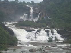 Aagasthiyar Falls