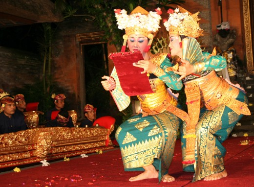 Two Balinese dancers performing the farewell scene dance drama.
