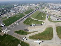 Heathrow, a maze which wants to grow even larger