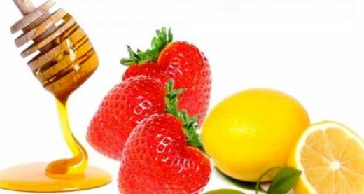 Strawberry, Lemon and Honey mask for Acne
