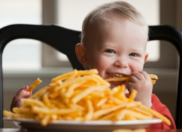 Fast food is rich in components that are reported to cause oncology diseases.