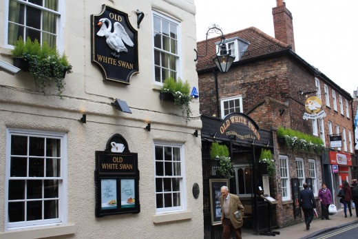 The Old White Swan - Traditional Pub and Restaurant - Haunted Pub in York