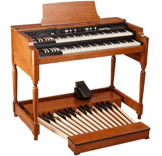 Here we show the Hammond XK Vintage System (we have not shown the bench, but it is supplied with this system).