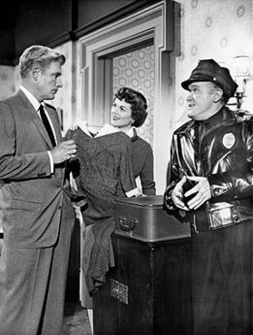 Paul Drake (William  Hopper)  Della Street (Barbara  Hale) with cop Frank Sully.