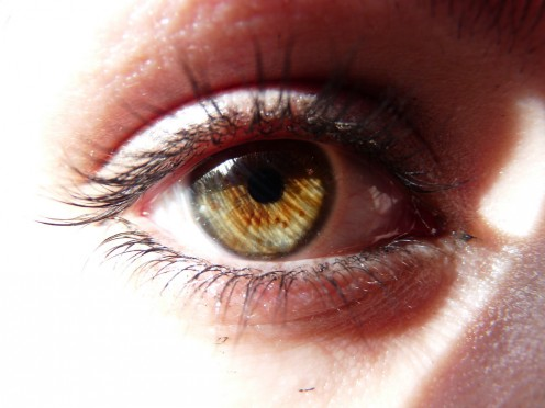 Causes and Home Remedies for Dry Skin Around Eyes
