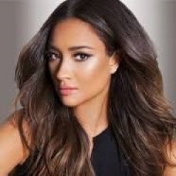 "Shay Mitchell, ""Pretty Little Liars"""