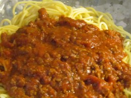 Our food for the bridal shower was provided by my niece Wanisha, from Olive Garden which serves 30 or more for about $150. Spaghetti with meat sauce was served.