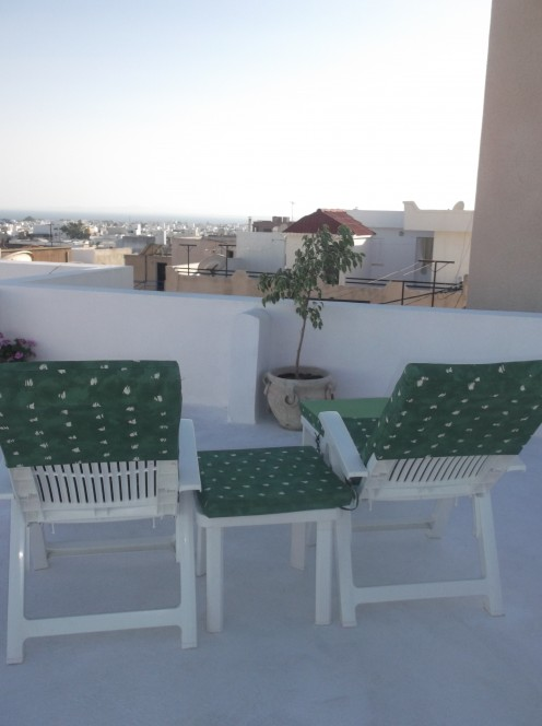 When all the work is done it's time to relax on the roof terrace and take in the view over the Gulf of Hammamet