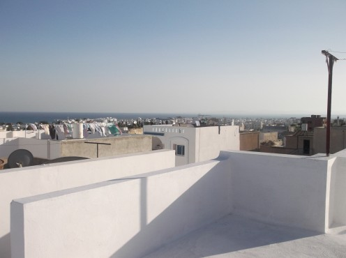 The private houses have rooftop terraces over The Gulf of Hammamet. Flat roofs have their advantages but would be little use back in the UK with all the rain!