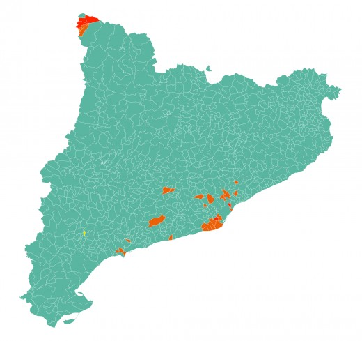 Election map Catalonia 2015. Green: Junts pel Sí (Together for Yes); orange: Ciutadans (Citizens); red: PSC (Partido Socialista Catalán, Socialists' Party of Catalonia) .