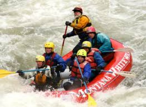 Whitewater rafting has beginner and expert level rafting and it is best to start out in the easier section.