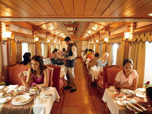 Guest Dining aboard the Golden Chariot
