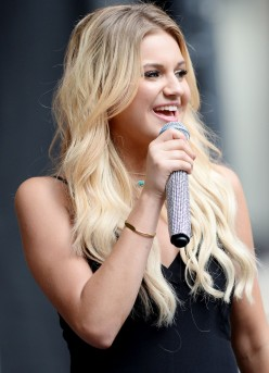 Kelsea Ballerini : Top 15 Things She Wants You To Know