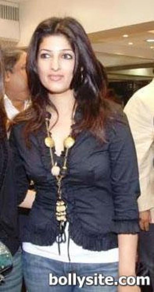 twinkle khanna hot in mela. Actress Twinkle Khanna