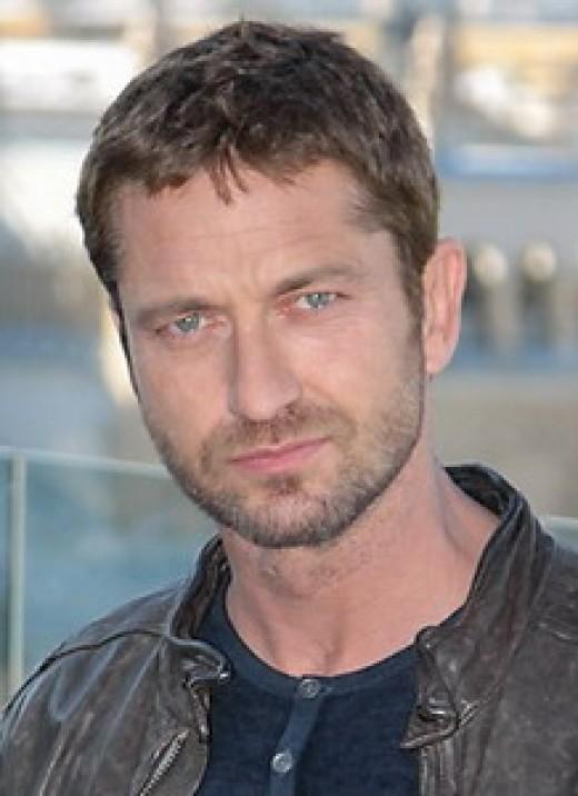 Gerard Butler - credentials - played King Leonidas in 300