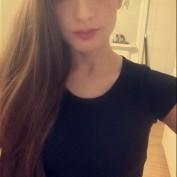 Laura Karina profile image