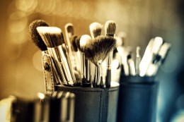 Natural makeup artists enhance beauty without using harsh ingredients.