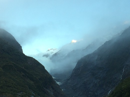 A cloud covered Franz Josef Glacier (Westland Tai Poutini National Park, South Island)