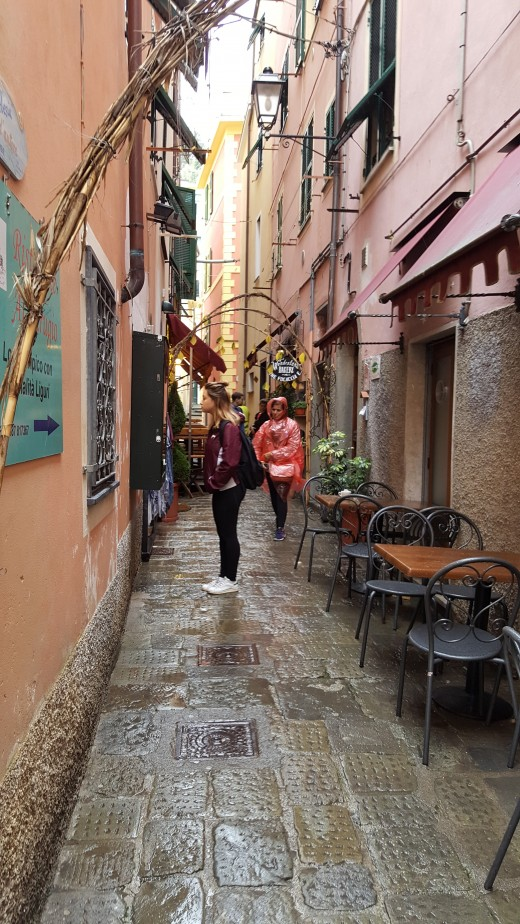 A walk in Monterosso village
