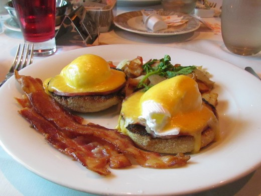 I enjoyed eggs benedict and bacon for breakfast before going to Civitavecchia.