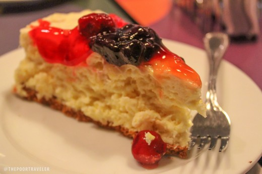 If you are really fond of cheesecakes, then the one from Calea is the best treat you can bring for your family and friends. This is a heavenly combination of fresh fruits, cheesecake and other fruits buried deep in the cake itself. It is one of the b