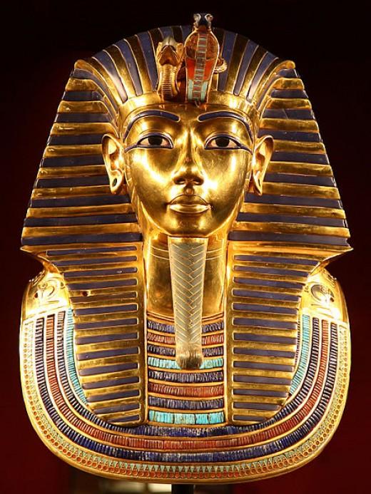 Tutankhamun's death mask by Carsten Franzi CC BY-SA 2.0
