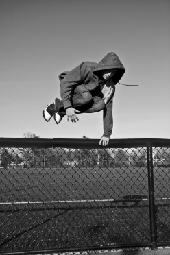 Urban Ninjas: Parkour and Freerunning.. They exist!
