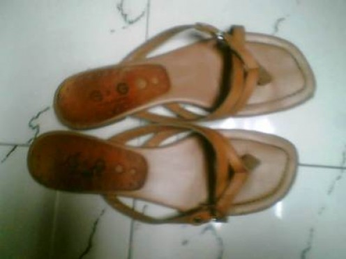 My old favorite pair of strapless sandals...a G&G.